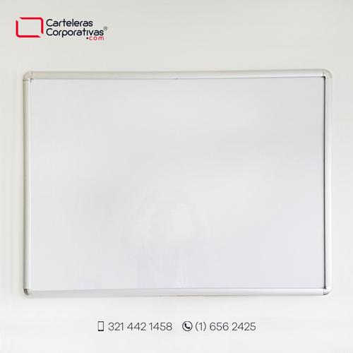 cartelera marco abatible para 8 hojas carta vista frontal