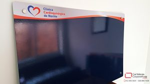 Cartelera flotante magnética personalizada