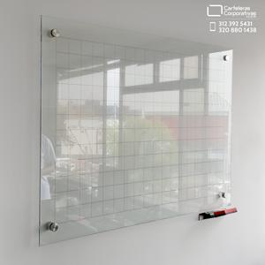 tablero en vidrio templado de 6 mm con cuadríicula tamaño 100x70 cms