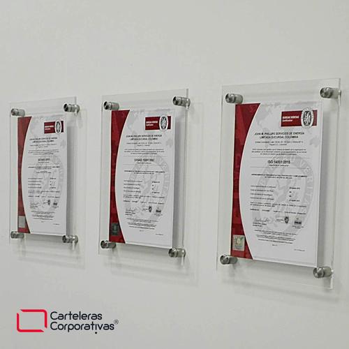 tres carteleras doble acrílico tipo sandwich con dilatadores para certificados