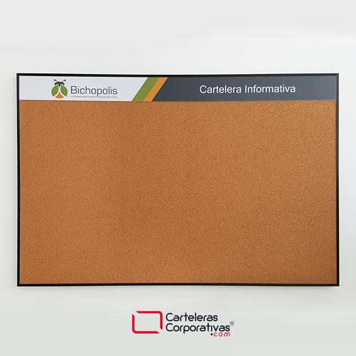 cartelera en corcho a la vista personalizada con marco en aluminio negro tamaño 120x80 cms vista frontal bichopolis