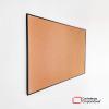 cartelera en corcho natural a la vista con marco en aluminio negro tamaño 60x40 cms vista leteral