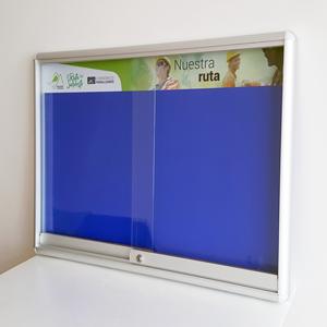 cartelera con vidrios corredizos magnética tamaño 80x80