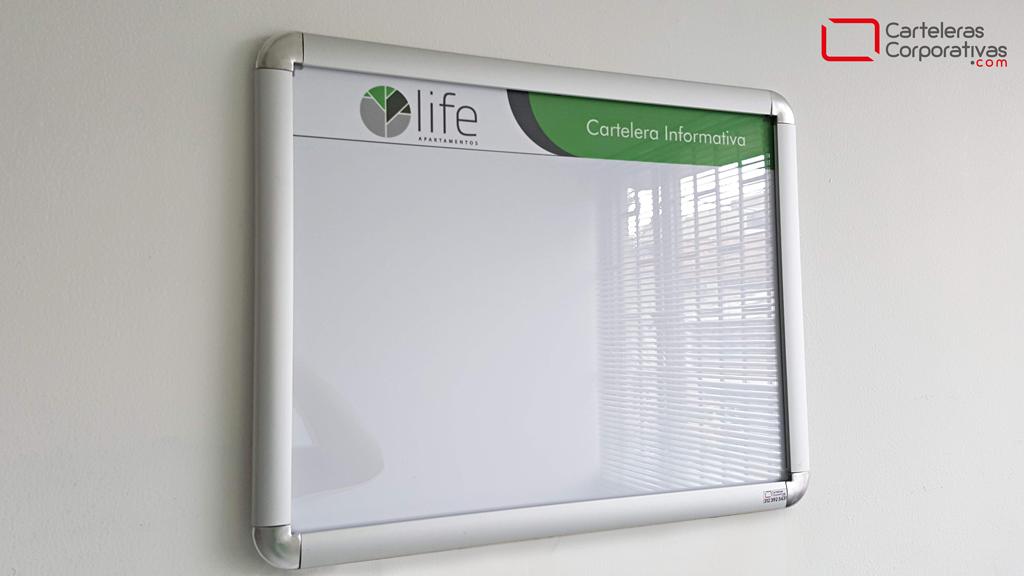 cartelera marco en aluminio abatible doble carta para conjunto residencial en barranquilla