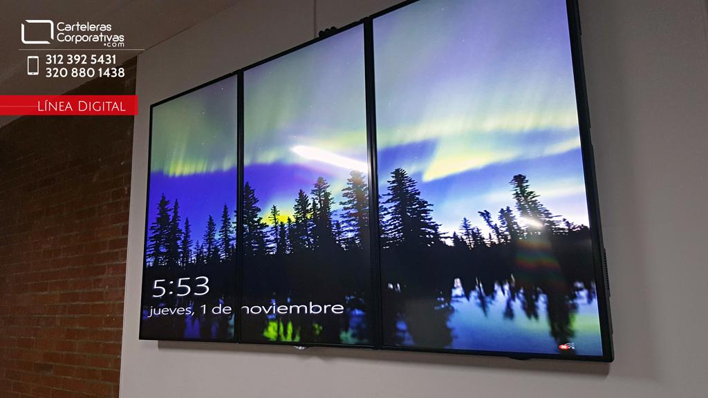 Video wall digital 3x1 para colegio en la ciudad de Bogotá vista lateral encendido