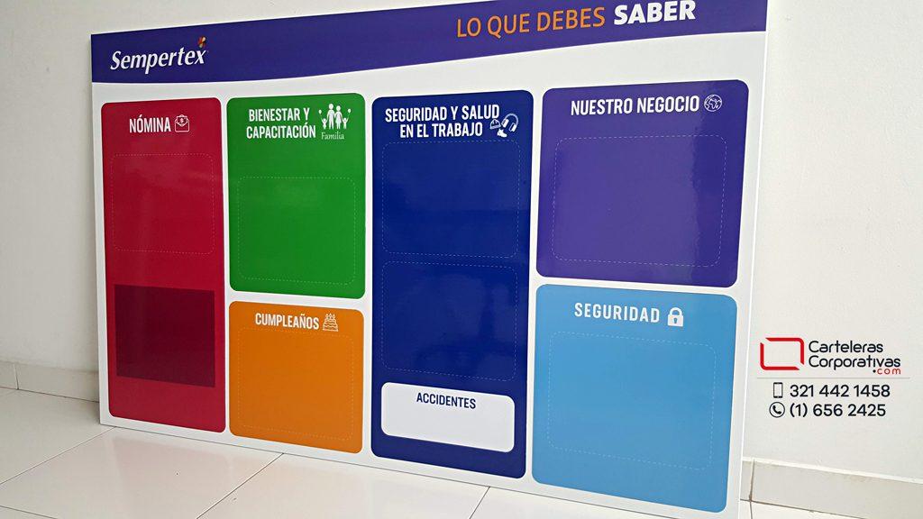 cartelera tipo retablo magnética para empresa en la ciudad de barranquilla con títulos magnéticos grandes