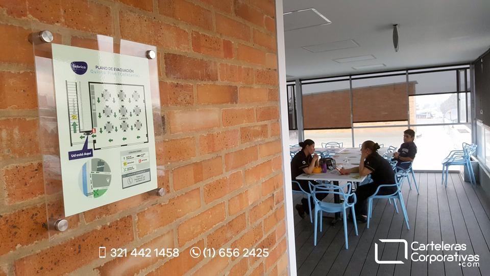 plano fotoluminiscente en cafetería de empresa