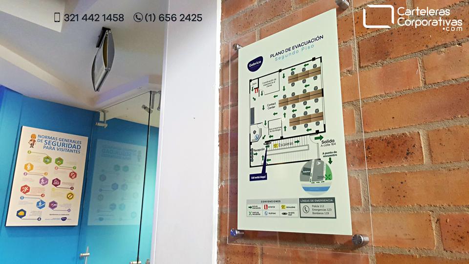 Plano de evacuación fotoluminiscente en recepción de empresa en Bogotá
