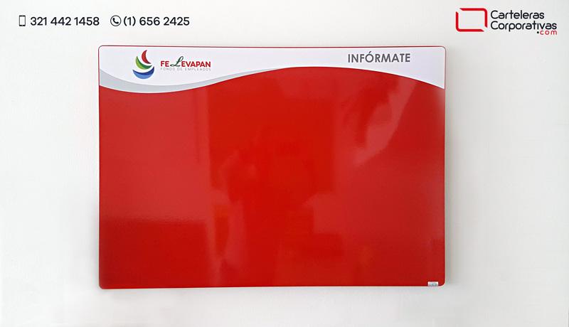 cartelera magnética 100x70 cms roja con logotipo vista frontal para fondo de empleados en bogotá