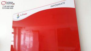 cartelera imantada con sistema de instalación innovador