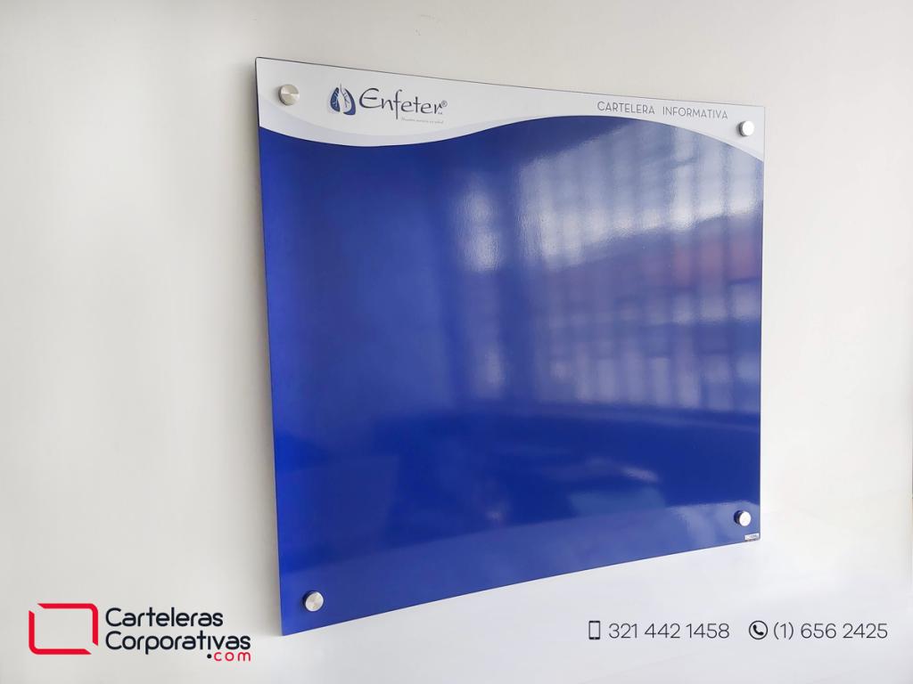 Vista general lateral de cartelera flotante magnética con dilatadores para empresa de sector salud en bogota