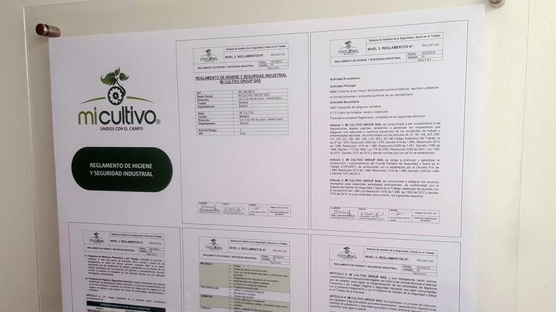 Reglamento de higiene y seguridad industrial, cartelera tipo sándwich doble acrílico, impresión en papel opalina, con dilatadores para instalar en muro, diseño con logo y titulo