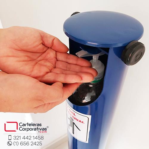 dispensador manos libres tipo cilindro en uso