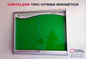 Cartelera magnética tipo vitrina con logotipo e imanes